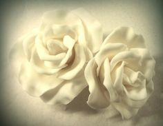 rose bianche... #cakedesign #torta  #decoration #fondant #diy #pastadizucchero