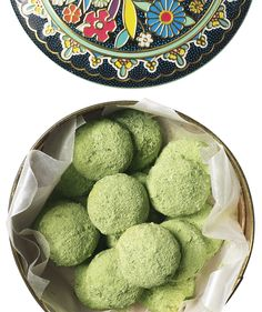 Matcha Mexican Wedding Cookies | You might be familiar with the ultra tender melt-in-your-mouth experience that is a Mexican wedding cookie.