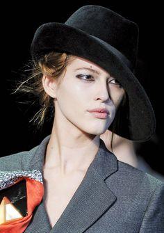 Black wide brimmed fur felt fedora hat for women