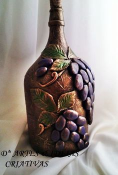 Glass Bottle Crafts, Wine Bottle Art, Diy Bottle, Recycled Wine Bottles, Painted Wine Bottles, Bottles And Jars, Diy Crafts Hacks, Diy Arts And Crafts, Clay Crafts