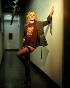 A leading resource for news, information, episode summaries, games, and discussion of all your favorite reality TV shows! Liz Phair, Reality Tv Shows, Ukraine, Christ, Hipster, Punk, Singer, Legs, Celebrities