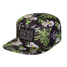 Snapback da marca brasileira Double G (parte do grupo Qix International) com temas florais. Utilizando imagens da planta Cannabis sativa e da flor Hibisco-Branco, sublimados ao longo de todos os...