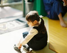 Putting on shoes | Flickr - Photo Sharing!