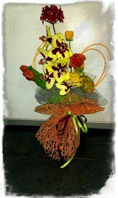 Orchidee e mix solare di fiori di campo ..