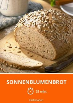 Sonnenblumenbrot - smarter - Zeit: 25 Min. | eatsmarter.de Pampered Chef, Baguette, Pizza, Food, Breads, Eten, Meals, Diet