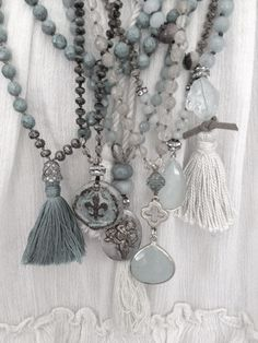 Je mehr, desto besser... Grey beaded tassel necklaces