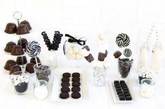 Wie aus Süßigkeiten eine Candybar wird - 7 Tipps von Zuckerherz Black White Parties, Black And White, Planes Party, Party Co, 40th Birthday, Birthday Kids, White Decor, Love Is Sweet, Marry Me