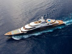 Serene - 440 feet. Despite its enormous size the yacht has a rather sleek and proportionate appearance.