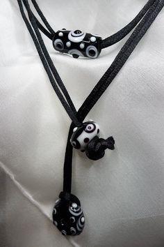 Fekete-fehér lámpagyöngy nyaklánc (jannaja) - Meska.hu Beaded Jewelry, Jewellery, Washer Necklace, Beads, Fashion, Beading, Jewelery, Moda, La Mode