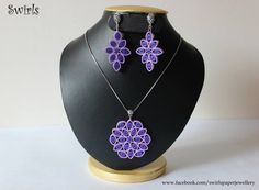Sunflower diamond pendant is one of the most romantic gifts you can give a woman! Paper Quilling Earrings, Quilling Craft, Quilling Designs, Paper Bead Jewelry, Paper Beads, Jewelry Necklaces, Denim Earrings, Handmade Wire, Diamond Pendant