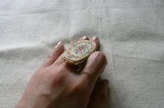 Ring Mirror Vintage / Vintage Jewelry / Lipstick by TheHippoIsland