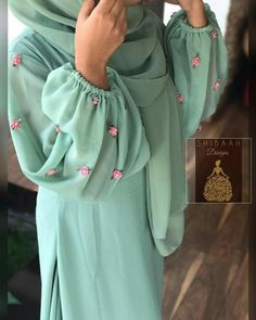 Simple Kurti Designs, Kurta Designs Women, Abaya Designs, Simple Pakistani Dresses, Pakistani Dress Design, Pakistani Suits, Fancy Dress Design, Stylish Dress Designs, Kurti Sleeves Design