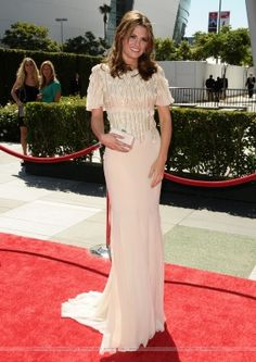 EVENTS: Stana Katic at the 62nd Annual Creative Emmy Awards (2010)
