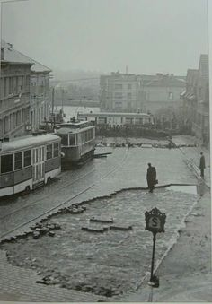 Zenklova pod Vlachovkou, barikáda Heart Of Europe, Capital City, World War Two, Old Pictures, Czech Republic, Historical Photos, Roads, Ww2, Old Things
