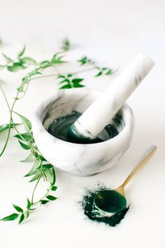 DIY Spirulina Honey Mask