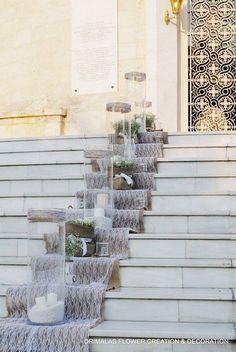 στολισμος γαμου με δαντελα και λινατσα Chic Wedding, Boho Chic, Wedding Inspiration, Stairs, Plants, Ideas, Home Decor, Entryway, Wedding