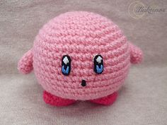 I used felt to make the eyes, but you can embroider them with yarn directly to the amigurumi or crochet them.