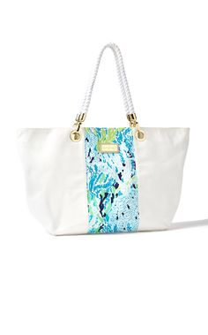 Lilly Pulitzer Island Tote in Let's Cha Cha