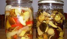 Houbová čalamáda vhodné jako příloha Thing 1, Raw Food Recipes, Pickles, Cucumber, Salsa, Mason Jars, Food And Drink, Canning, Chicken