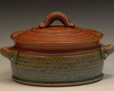 Handmade Stoneware Casserole Handmade Pottery Wheel thrown click now for more info. Slab Pottery, Glazes For Pottery, Pottery Vase, Ceramic Pottery, Ceramic Bowls, Ceramic Art, Stoneware, Ceramic Mugs, Casseroles