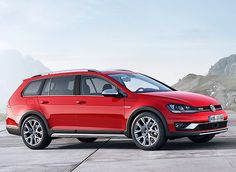 Offering an alternative to the recent glut of small SUVs, the Volkswagen Golf SportWagen Alltrack delivers a host of capability and practicality in the latest Golf variant. Volkswagen Golf Variant, Volkswagen Models, Volkswagen Beetles, Volkswagen Group, Crossover, Vw Golf Mk4, Golf Tips Driving, Thing 1, Autos