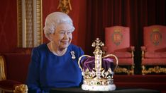 Queen Elizabeth II on the BBC documentary - The Coronation, of Queen Elizabeth II with St Edward's Crown St Edward's Crown, Queen Crown, The Crown, Royal Jewels, Crown Jewels, Royal Crowns, Lady Diana, Funeral, Crown Pictures