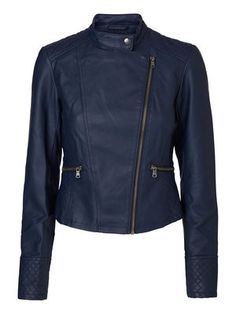 Deep blue leather-look jacket from VERO MODA. #veromoda #jacket #blue