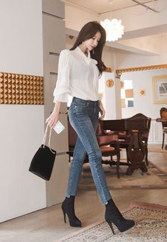 Classy Work Outfits, Casual Fall Outfits, Classic Outfits, Stylish Outfits, Cute Outfits, Short Women Fashion, Workwear Fashion, Korean Street Fashion, Kawaii Clothes
