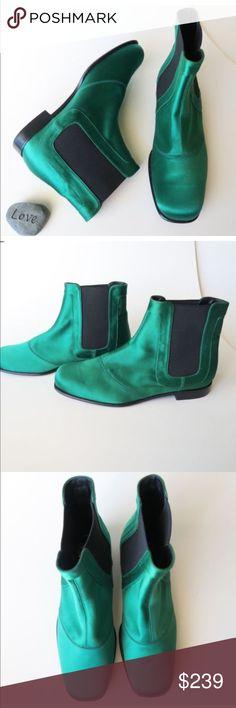 New Roger Vivier Women Green Chelsea Ankle Booties New Roger Vivier Womens  Size 34.5 Green Chelsea d2756b3b023dc