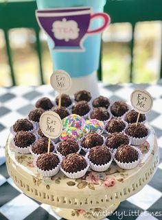 Alice In Wonderland Party, Eat, Breakfast, Desserts, Food, Morning Coffee, Tailgate Desserts, Deserts, Essen