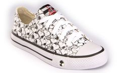 snoopy converse - Google Search Style Converse, Cool Converse, Converse All Star, Converse Shoes, Cute Shoes, Me Too Shoes, Snoopy Shoes, Hand Painted Shoes, Chuck Taylor Sneakers