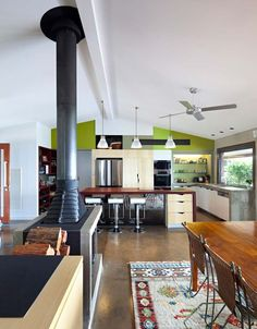 <3 this kitchen... everything about it. - The Australian architect Sparks finished a house, an expansion of the concrete block wall. The house is situated in Maleny, on the Sunshine Coast hinterland. It offers a spectacular view of the inland hills & down to Brisbane. (5) Double Sided Fireplace, Open Fireplace, Fireplace Design, Concrete Block Walls, Freestanding Fireplace, Architecture Design, Interior Design, House, Sunshine Coast