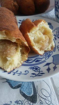Helenkine dobroty - Kváskové pirohy sladké vyprážané Cornbread, Ethnic Recipes, Food, Millet Bread, Meal, Essen, Hoods, Corn Bread, Meals