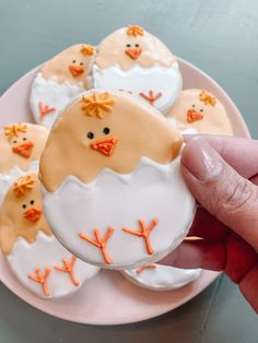 Royal Icing Cookies, Sugar Cookies, Cracked Egg, Icing Recipe, Easter Cookies, How To Make Cookies, Safe Food, Cookie Decorating, Easter Eggs