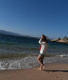 http://miperchapesa.blogspot.com.es/2013/08/crease-beach.html  Foto realizada por Selena Carro.