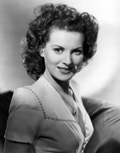 An Irish Beauty - Maureen O'Hara....one of  my favorite  actresses.