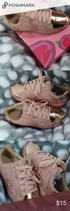 The new rosegold Sneaker look!! Bling bling bling! Rosegold with bling Sneakers   SALE   NWT NO TRADES!1 VIA PINKY Shoes Sneakers