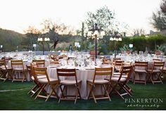 Blush-hued linens were romantic for an al fresco reception against a backdrop of the @Four Seasons Resort Scottsdale at Troon North desert.