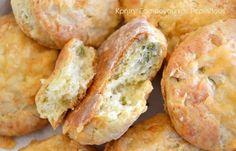 Λιχουδιά σε 30 λεπτά ή και λιγότερο! ! Άμα έχει κανείς ψωμάκι είναι εύκολο το στήσιμο ενός πιάτου για πρόφταση ή για χόρταση! Ειδικά στις διακοπές είναι απρόβλεπτη πολλές φορές η κατανάλωση ψωμιού κι έτσι πολλές φορές ακόμη κι αυτοί που δεν φτιάχνουν ψωμί στο σπίτι αναγκάζονται να ζυμώσουν. … Greek Recipes, My Recipes, Cooking Recipes, Cooking Bread, Kids Menu, Pizza, Cooking Time, Finger Foods, Love Food