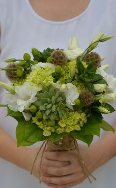 #greenwedding#succulentwedding#weddingflowers#bouquet#succulents#hydrangeas#scabiosapods#twine#bradfordgreenhouses