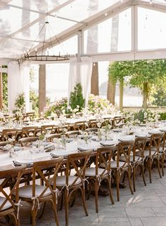 La Tavola Fine Linen Rental: Tuscany White Table Runners with Tuscany Silver Napkins | Photography: The Ganeys, Planning & Design: Callista & Co, Florals: Gather Design Company, Paper Goods: Libby Tipton, Rentals: Cort Rentals