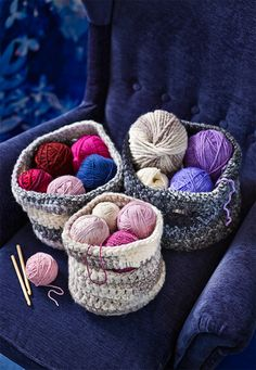 How to make crochet baskets Store your yarns and works in progress in these handy crochet tubs and you'll be able to hook up a few more rows whenever there's a few minutes of down time. Crochet Box, Crochet Baskets, Crochet Purses, Free Crochet, Knit Crochet, Knitting Projects, Crochet Projects, Crochet Designs, Crochet Patterns