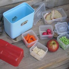 @Kelly Fergie - Imagine the strife our girls would get into with this lunchbox.  With all those containers to lose, the negatives could be endless!!