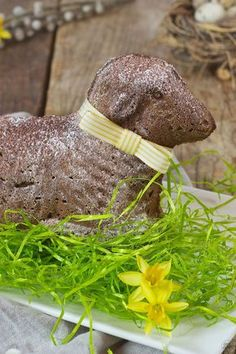 Saftiges Schoko Osterlamm aus Rührteig // Easter lamb made of chocolate pound cake // Sweets & Lifestyle®️️ #osterlamm #schokoosterlamm #backen #rezept #easterlamb #poundcake #chocolateeasterlamb #recipe #easter #sweetsandlifestyle