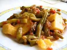 Green beans in tomato sauce demonstration - Greek-Recipe.com | Greek Food — Greek-Recipe.com -
