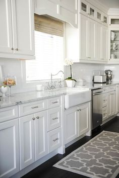 4 Eye-Opening Useful Tips: White Kitchen Remodel On A Budget country kitchen remodel copper sinks.White Kitchen Remodel On A Budget modern kitchen remodel before and after.Small Kitchen Remodel With Pantry. Kitchen Cabinets Decor, Farmhouse Kitchen Cabinets, Kitchen Cabinet Design, Kitchen Redo, Kitchen Countertops, New Kitchen, Kitchen White, Kitchen Ideas, Marble Countertops