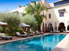 Через неделю я отправляюсь в одну из самых интересных стран северной африки - Марокко. Как туда можно бюджетно добраться из Прибалтики я уже писал тут.  Смотрю варианты проживания. Нарвался на интересный вариант с Airbnb, точнее сказать даже прямо какой то нереальный. Вилла на 8 человек с бассейном недалеко от моря за 61 евро в сутки: