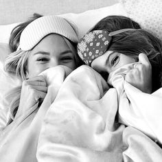 True friends know everything about you and still love you just the same. #besties #bridesmaids #weddingmorning #clique #posse #bride #wedding #weddingrobes #enrobe #sisterlove