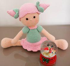 sunabusrablkn:: #amigurumi #gurumigram #gurumidoll #mutlulukyakalanır #mutluyumçünkü #mutluysakdemekki #picoftheday #likeforlike #handmade #örgü #elyapımı #crochet #love #crochetlover #craft #10marifet #haniminelinden #snowglobe #karküresi #happy #love #cute #toy #gift #baby #instapic #madebyme #hobium
