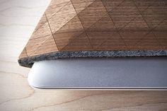 GrovemadeのiPad・MacBook用木製スリーブケース「Wood Sleeve collection」の紹介。